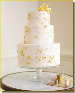 bolo de casamento amarelo