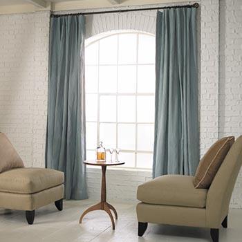sofás e cortinas