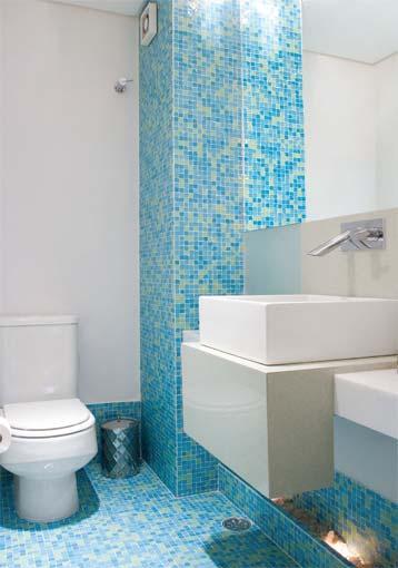30 fotos de decoração de banheiros com pastilhas -> Banheiros Pequenos Com Pastilhas Azuis